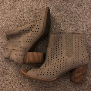TOMs peep toe perforated bootie